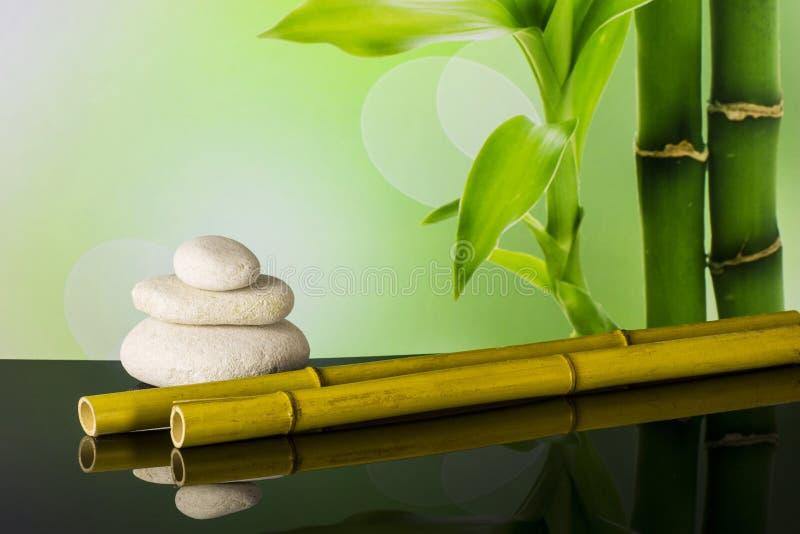 Kuuroordsamenstelling met bamboe royalty-vrije stock afbeeldingen