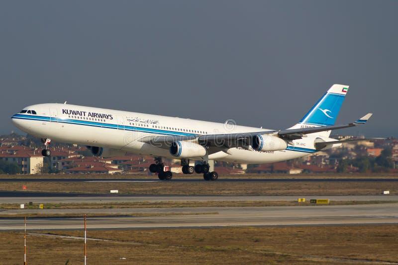 Kuwait Airways Airbus A340 photo libre de droits
