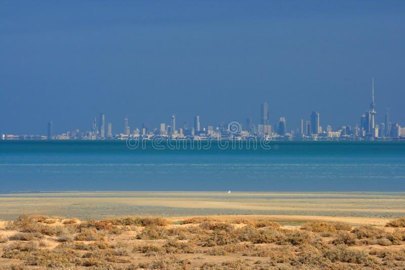 Kuwait: Stadt-Skyline lizenzfreies stockfoto