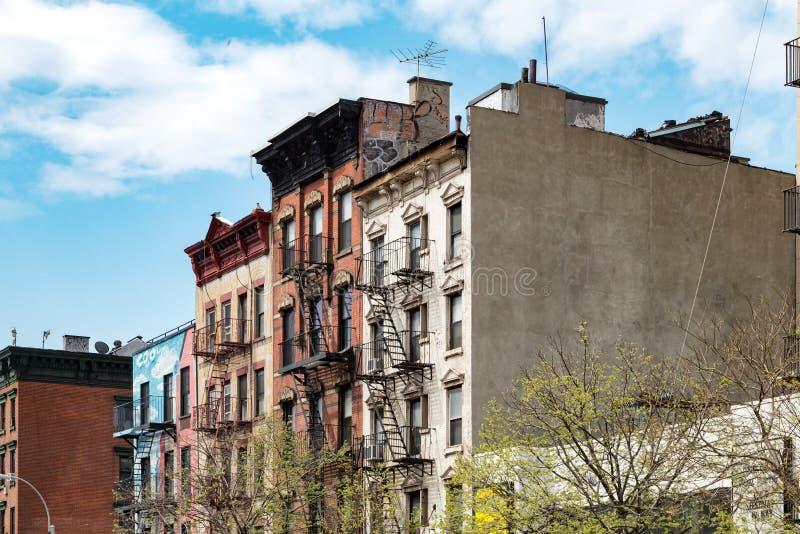 Kvarter av historiska byggnader i East Village, New York City royaltyfri fotografi