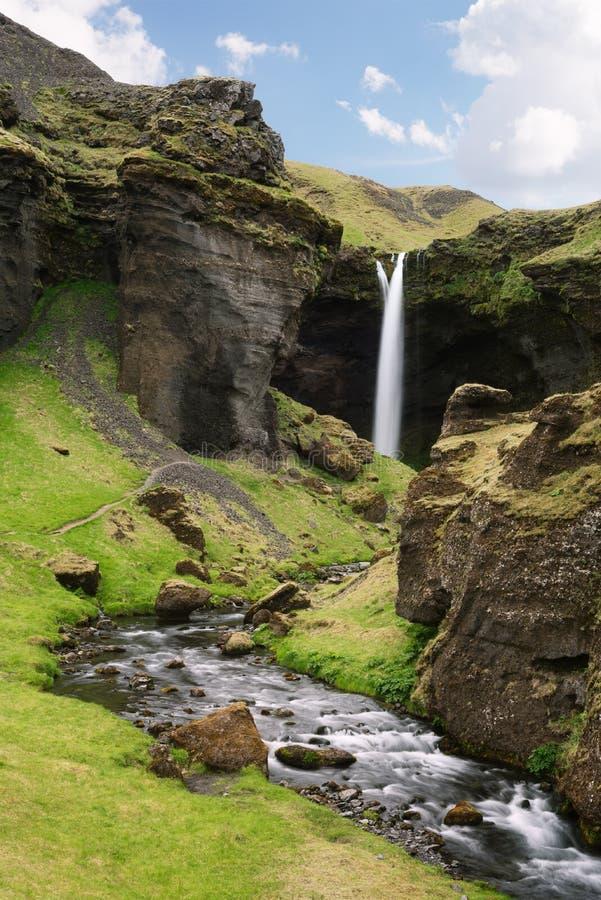 Kvernufoss vattenfall, Island arkivfoton