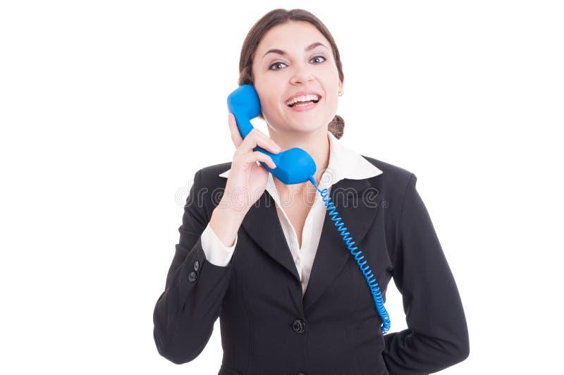 Kvinna- eller kvinnligkontaktperson som svarar le för telefon royaltyfri fotografi