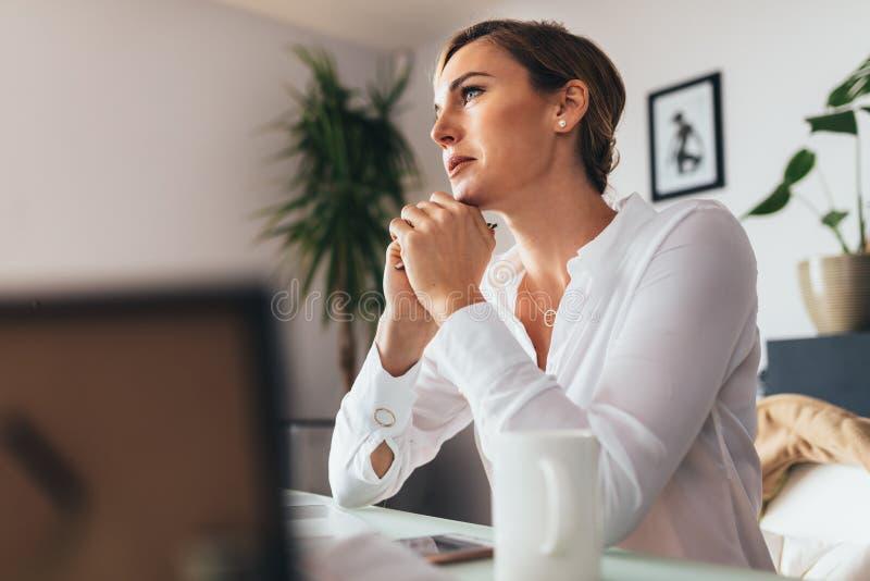 kvinna för affärskontor royaltyfri foto