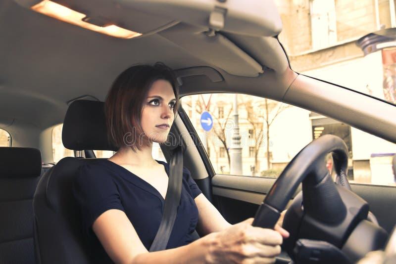 kvinna för bilkörning royaltyfri bild