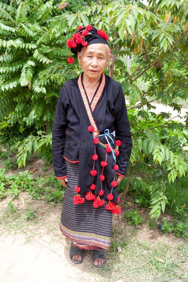 kvinna för folkgrupplaos noy phu arkivfoton