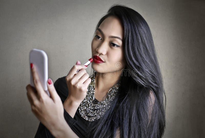 kvinna för makeup för läppstift för teckningshandillustration royaltyfria bilder
