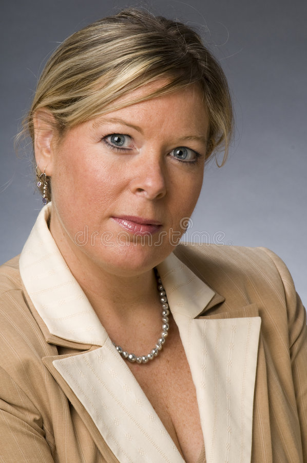kvinna för pensionär för affärsledare royaltyfri foto