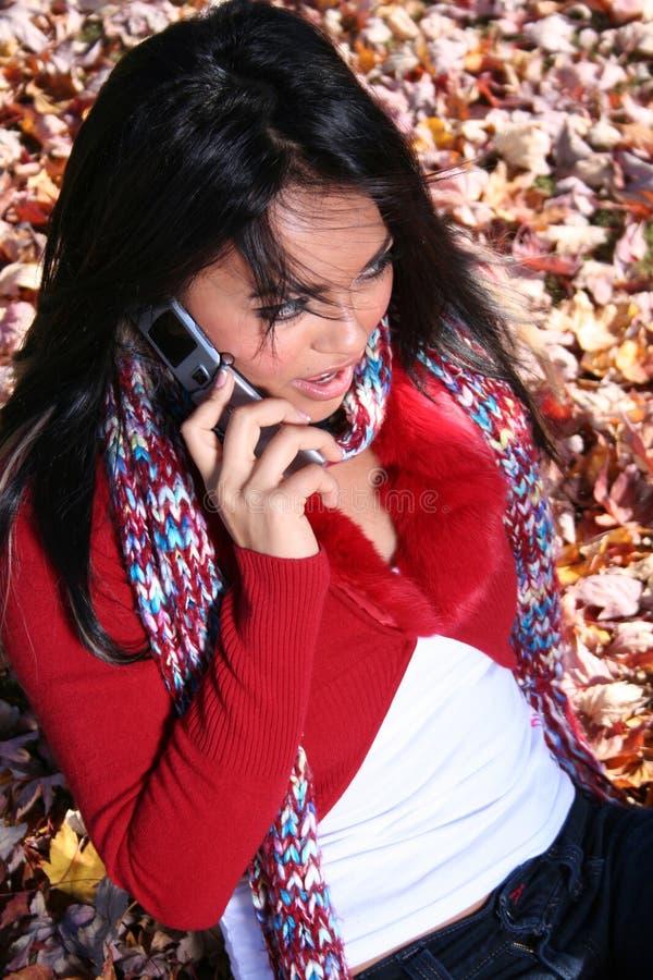kvinna för plats för telefon för höstcellfall royaltyfria foton