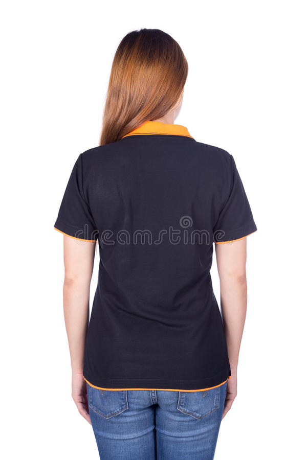 Kvinna i den svarta poloskjortan som isoleras på vit bakgrundsbaksida sid arkivbild