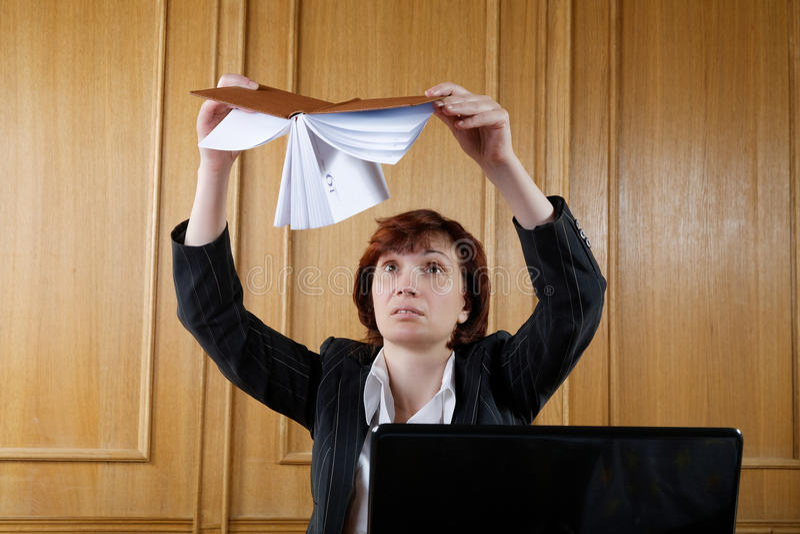 Kvinna i kontorsorganisatören royaltyfri fotografi