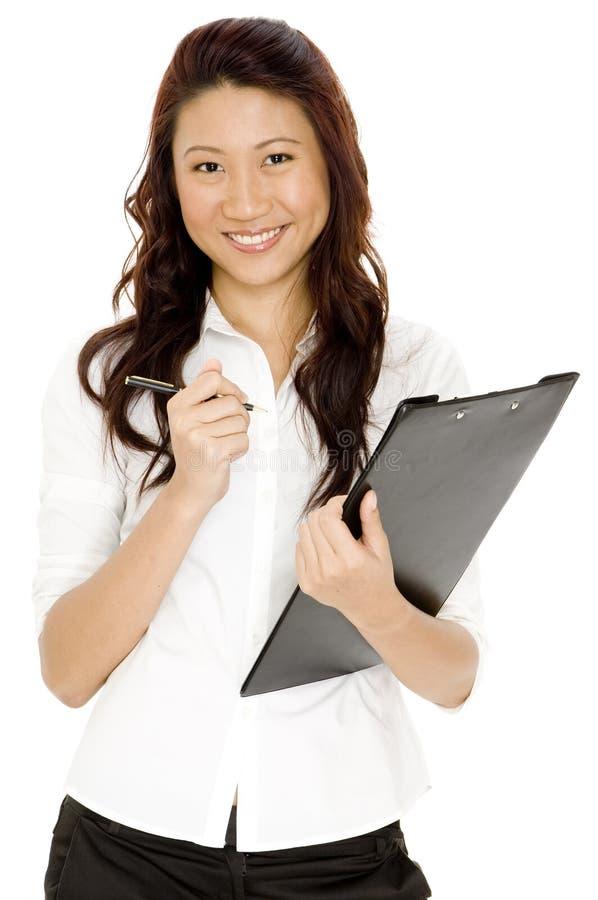 Kvinna med clipboarden royaltyfri fotografi