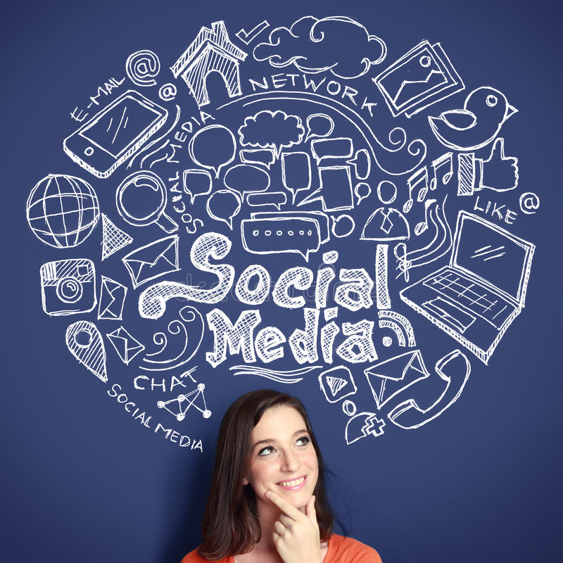 Kvinna med den hand drog illustrationen av det sociala massmediabegreppet stock illustrationer