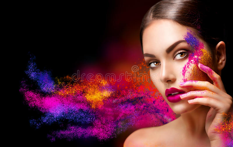 Kvinna med ljus färgmakeup arkivfoton