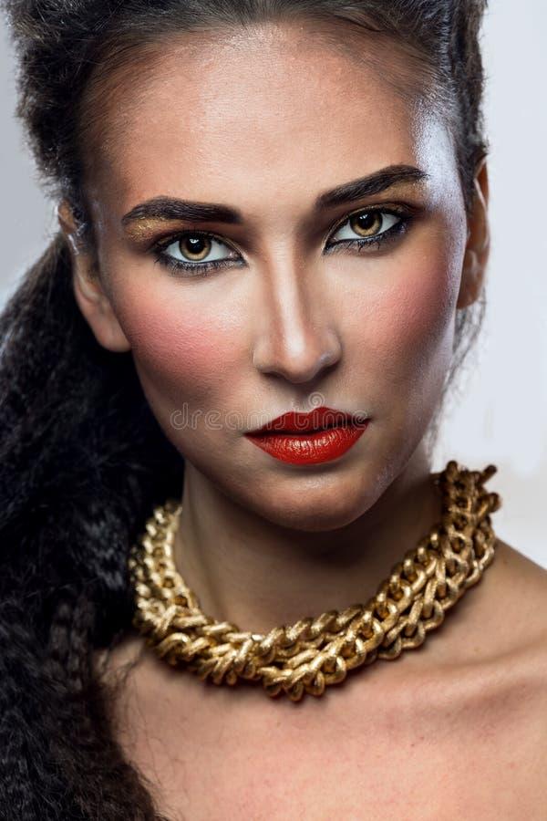 Kvinna med ljus makeup royaltyfria foton