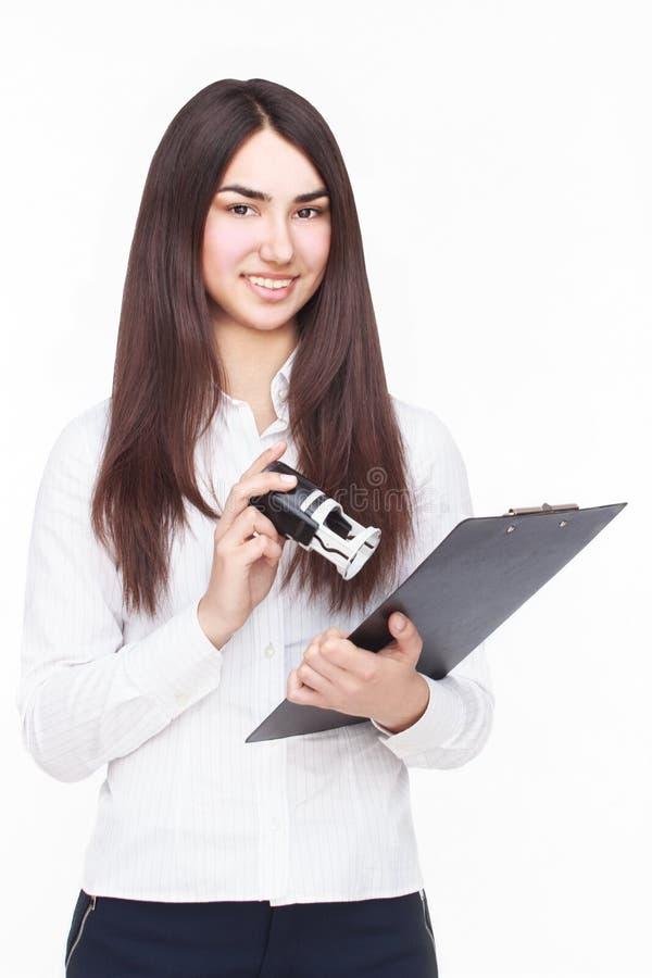 Kvinna med tableten arkivbilder