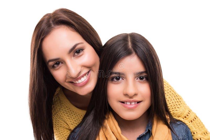 Kvinna och liten flicka royaltyfria bilder
