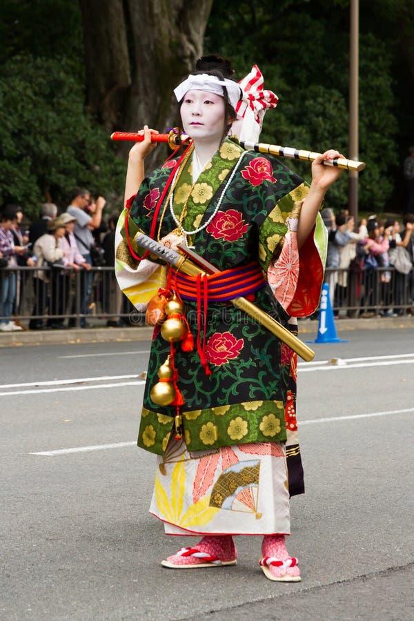 Kvinna på den Jidai Matsuri festivalen i Japan arkivfoton
