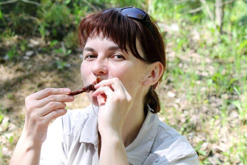 Kvinna på semester royaltyfri bild