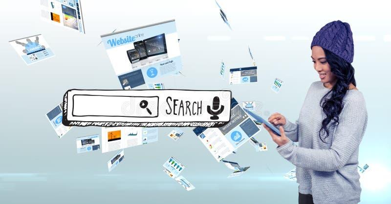 Kvinna som använder minnestavlaPC med sökandeskärmen arkivfoton