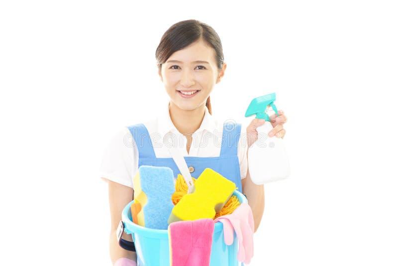 Kvinna som gör ren huset royaltyfria foton