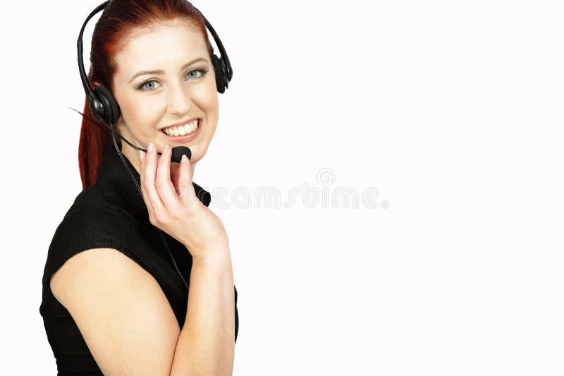 Kvinna som talar på telefonen royaltyfria bilder