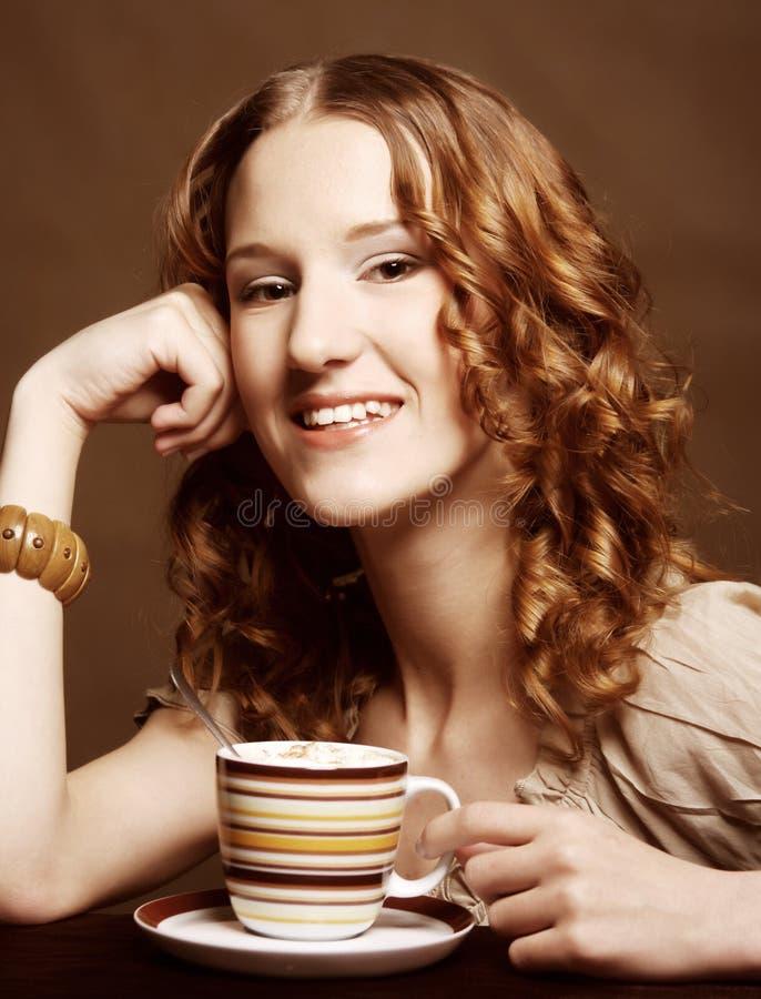 Download Kvinna Som Tycker Om Kaffetid Arkivfoto - Bild av leende, etnicitet: 37344872