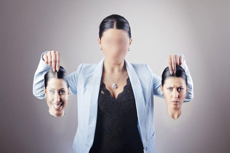 Kvinna som väljer identitet fotografering för bildbyråer