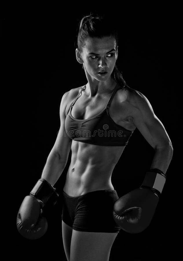 Kvinnaboxare royaltyfri foto