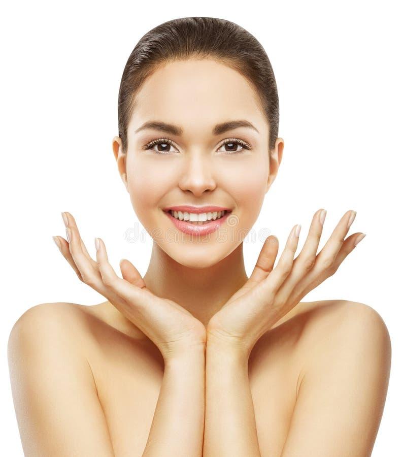 Kvinnaframsida och händer skönhet, makeup för hudomsorg, härlig modell royaltyfri fotografi