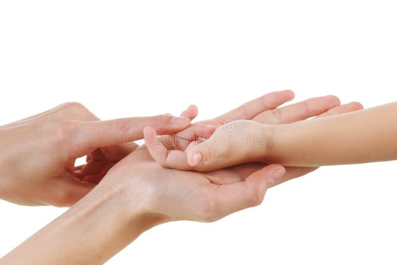 Kvinnan och behandla som ett barn att spela med handen som isoleras tillsammans på vit, räkningsfingrar som utbildar utbildning arkivfoton