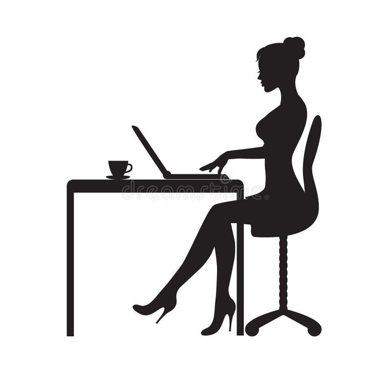Kvinnan sitter på datoren stock illustrationer