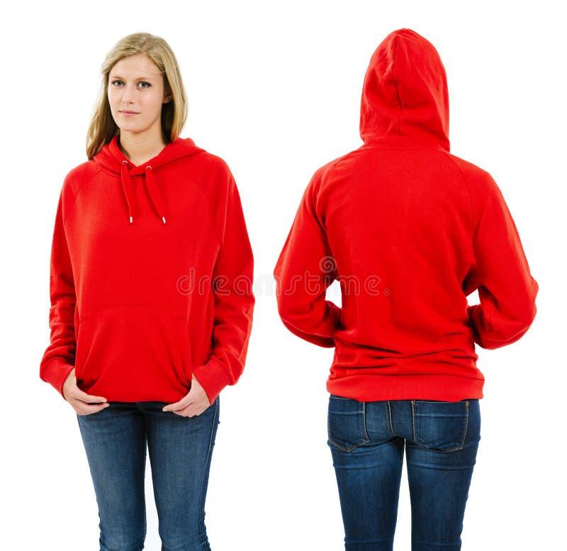 Kvinnlig bärande tom röd hoodie royaltyfri foto
