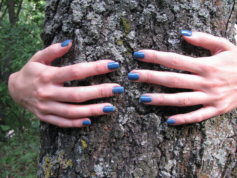 Kvinnlig förälskelse för natur arkivfoton