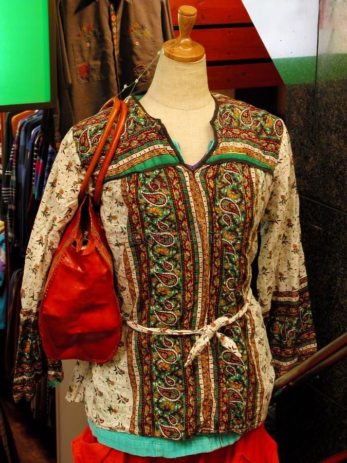 Download Kvinnlig gata för mode arkivfoto. Bild av baggies, tonåring - 991000
