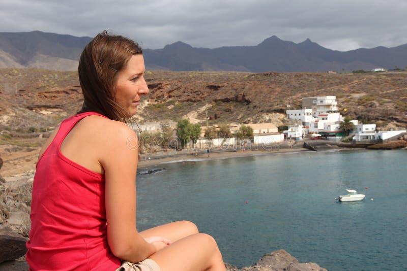 Kvinnlig handelsresande i Tenerife royaltyfri bild
