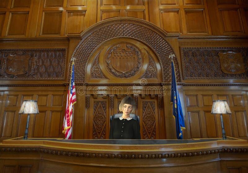 Kvinnlig kvinnadomare, lag, rättssal arkivbild