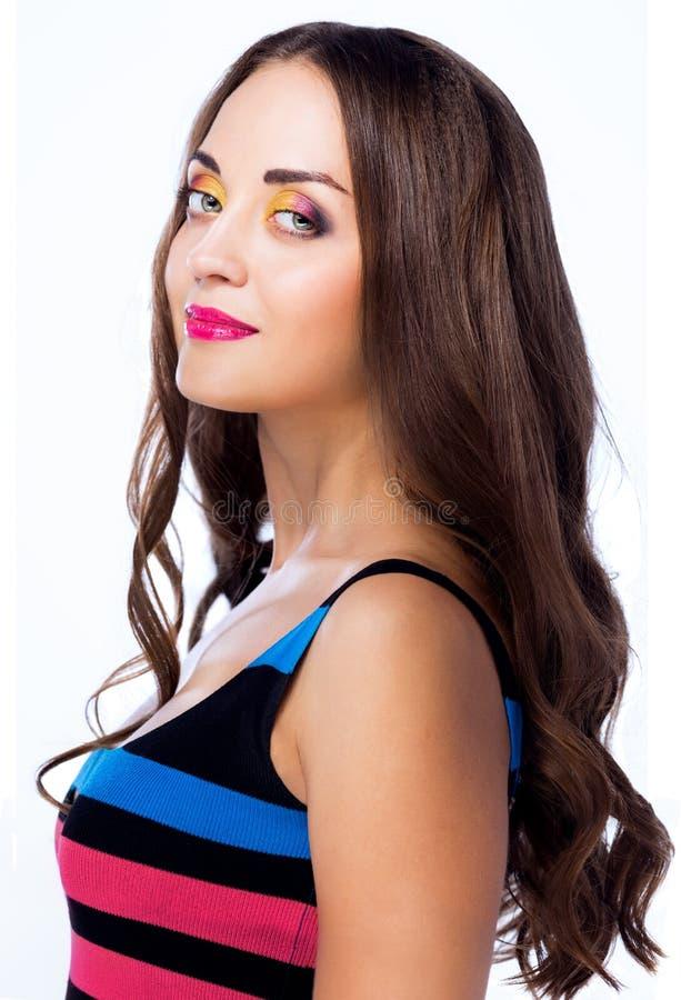 Kvinnlig med ljus makeup arkivbilder