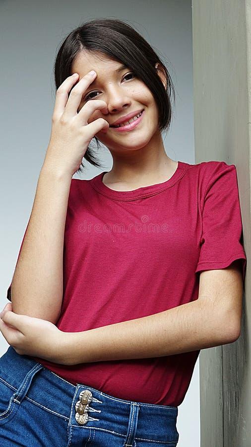 Download Kvinnlig och lycka arkivfoto. Bild av upprymt, elation - 106829540
