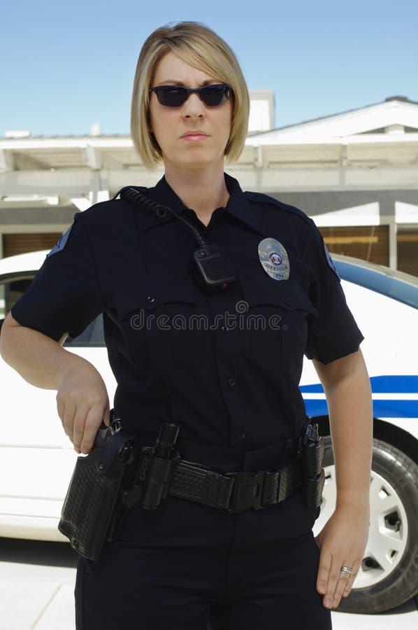 Kvinnlig polis arkivbild