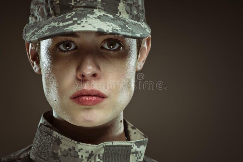 Kvinnlig soldat för USA-armé royaltyfri bild