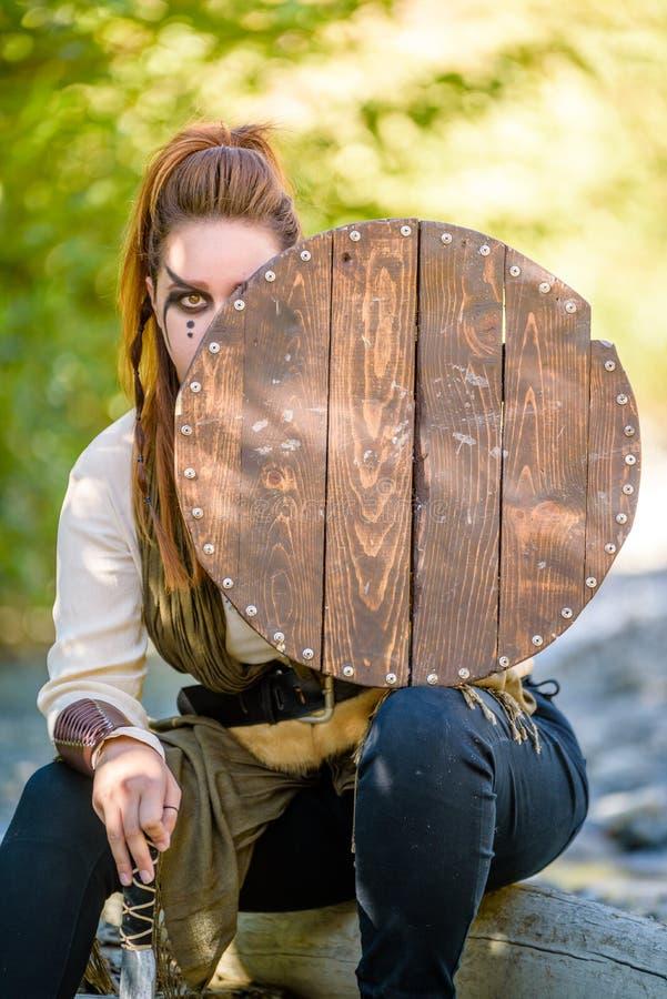 Kvinnlig Viking Character arkivfoto