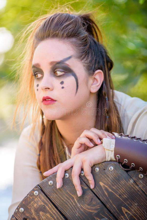 Kvinnlig Viking Character arkivfoton