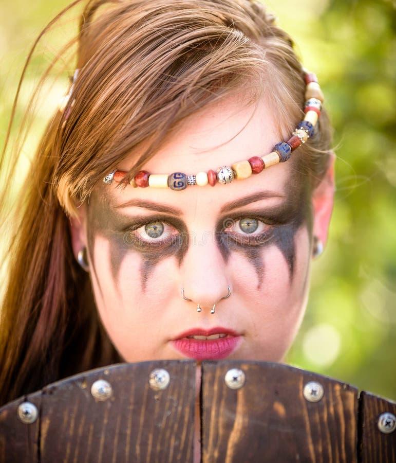Kvinnlig Viking Character royaltyfri foto