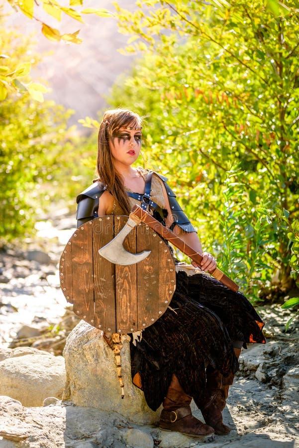 Kvinnlig Viking Character fotografering för bildbyråer