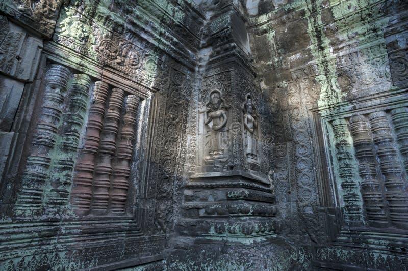 Kvinnliga gudar på templet för Ta Prohm arkivbilder