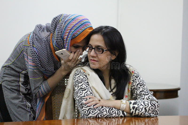 Kvinnliga studenter i Pakistan arkivbild