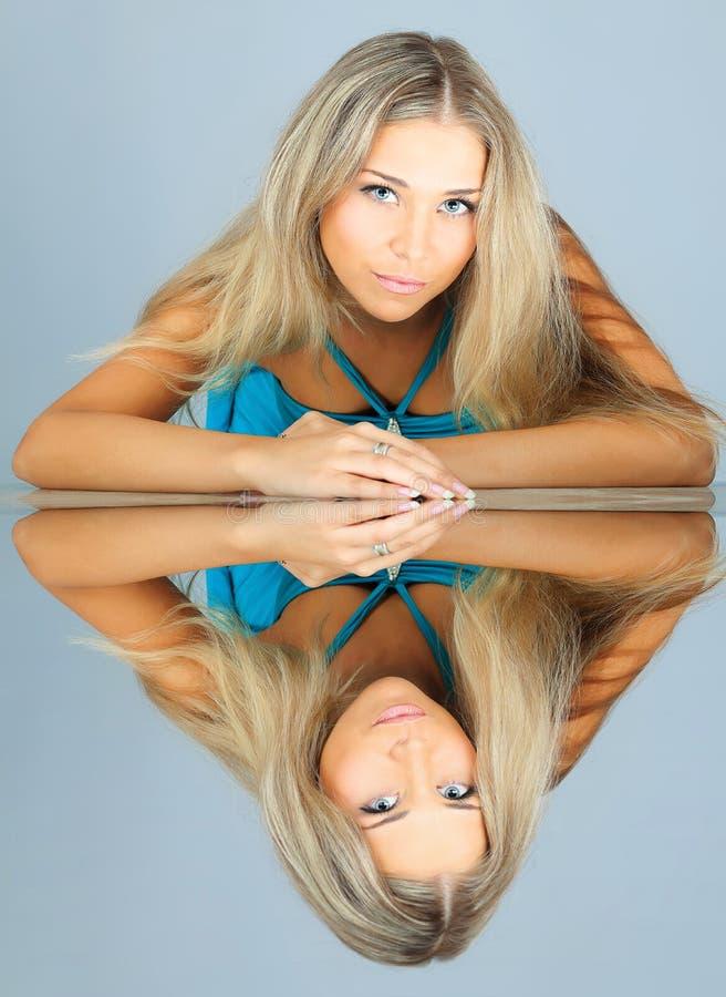 kvinnligmodell royaltyfri foto