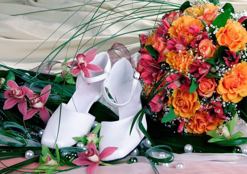 kvinnligskobröllop arkivfoto