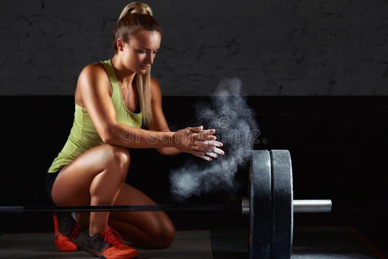 Kvinnligt öva för konditionidrottsman nen arkivbilder