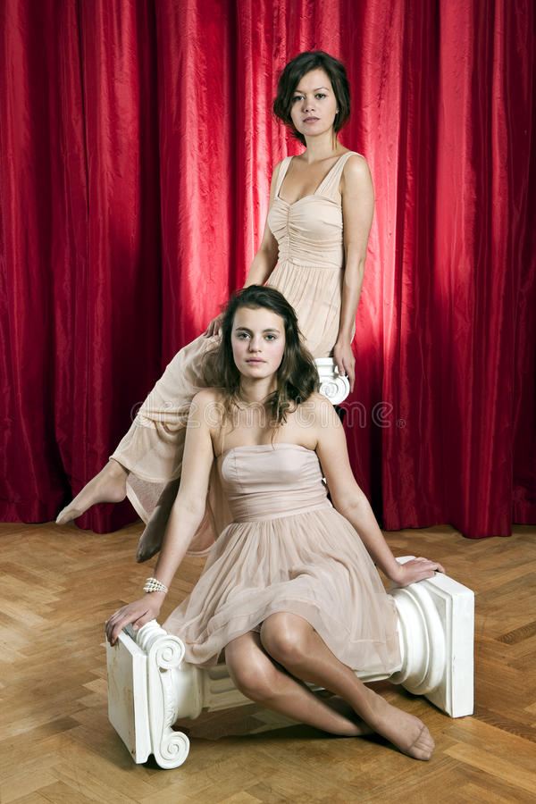 kvinnor för stående två royaltyfri foto